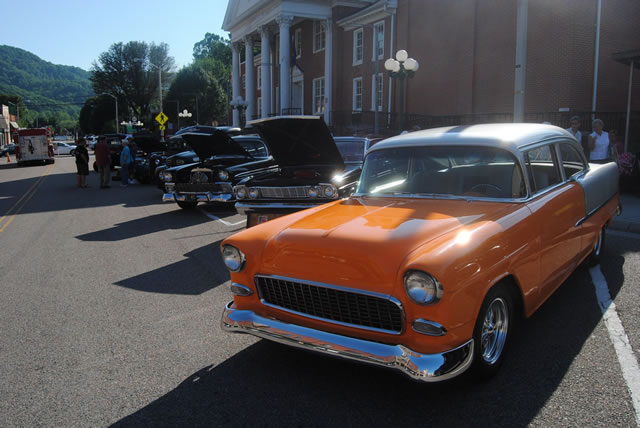 Car Show at King Alley